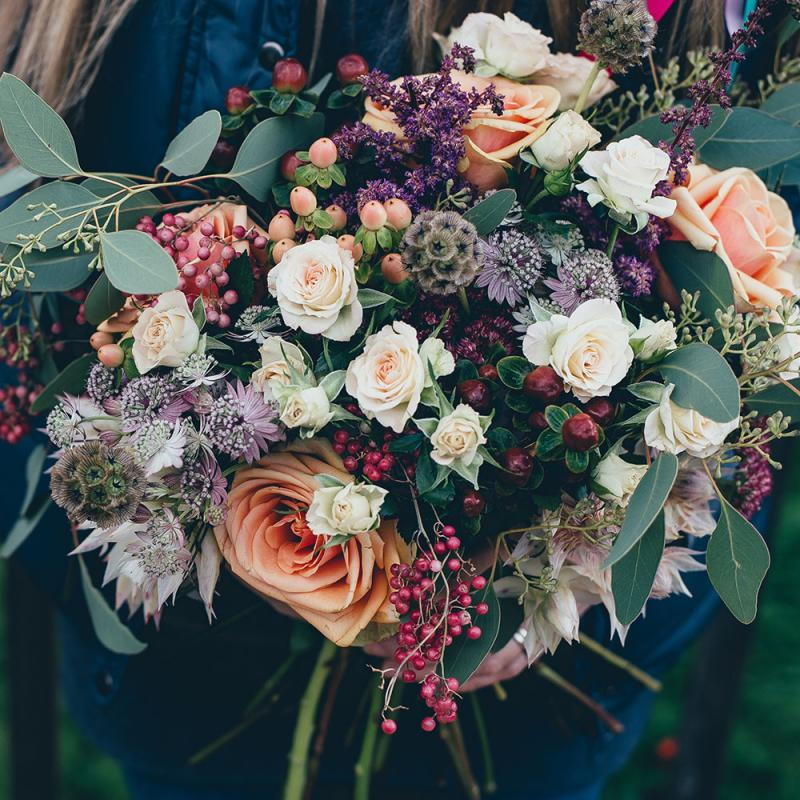 wild and loose wedding bouquet